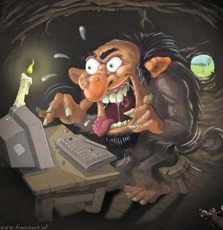 เกรียน หรือที่ฝรั่งมักใช้คำว่า Troll นั้นมักถูกยกเป็นตัวอย่างถึงข้อเสียของนามแฝงที่เปิดโอกาสให้สามารถแสดงความเห็นได้อย่างเสรีเกินไป