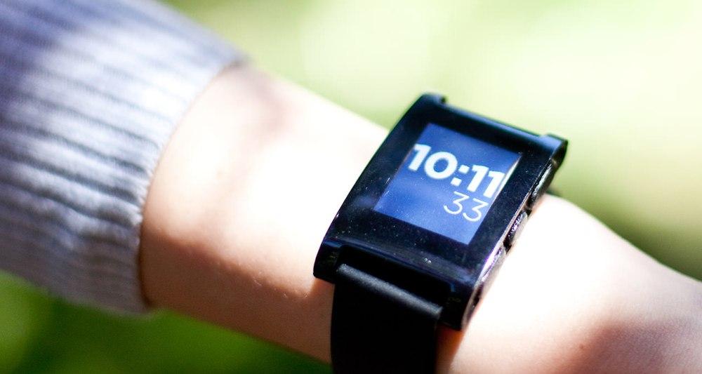 Pebble Watch นาฬิกาข้อมือไฮเทคที่ประสบความสำเร็จจากการระดมทุนใน Kickstarter