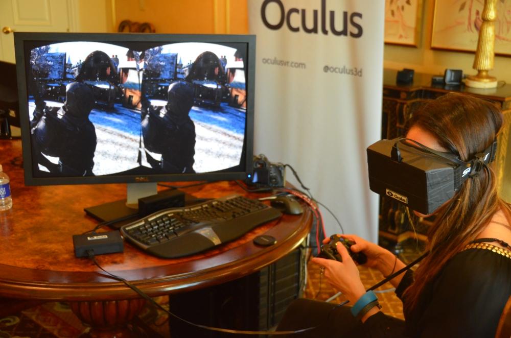 จะเล่นเกมทั้งทีมันต้องด้วย Oculus Rift แบบนี้