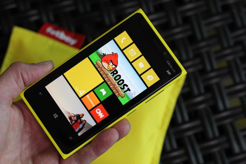 Nokia Lumia 920 สมาร์ทโฟนเรือธงของ Nokia ในตอนนี้
