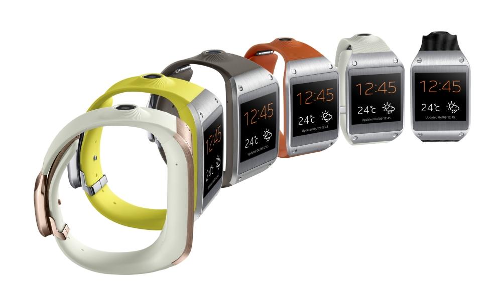 Galaxy Gear อุปกรณ์สวมใส่ในรูปแบบนาฬิกาข้อมือจาก Samsung ซึ่งยังคงมีจุดอ่อนที่หลายฟังชันต้องใช้งานร่วมกับสมาร์ทโฟนและแบตเตอรี่ต้องต้องชาร์จแทบวันต่อวัน
