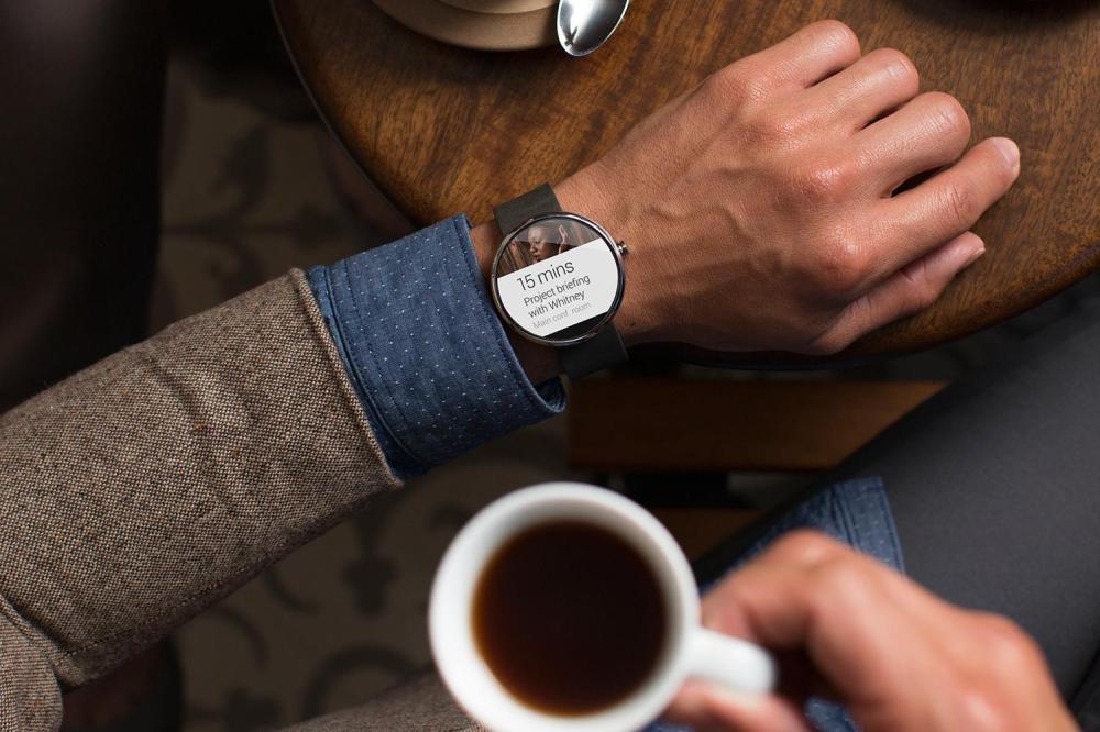 Moto 360 นาฬิกาข้อมือรุ่นแรกๆ ที่ใช้ Android Wear ขับเคลื่อน
