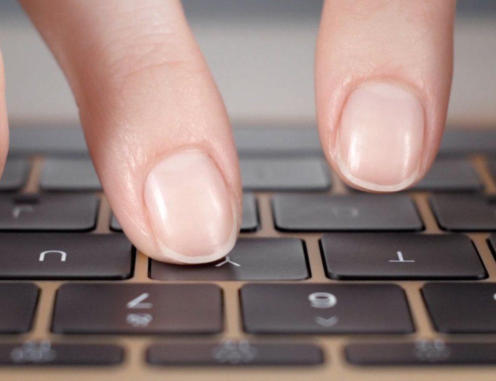 คีย์บอร์ดใหม่ที่มาพร้อมกับ MacBook ว่ากันว่าบางและมีความแม่นยำกว่าของเดิม