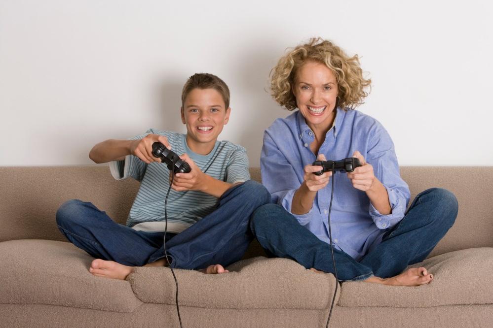 ภาพผู้ปกครองกำลังเล่นเกมกับลูกๆ คงจะเป็นที่คุ้นเคยในไม่ช้า